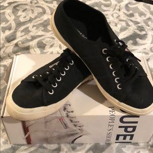 Supera Brand Sneakers
